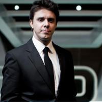 Biografia do humorista e ator Oscar Filho; ele é natural de Atibaia e já deu entrevista ao Paparazzi