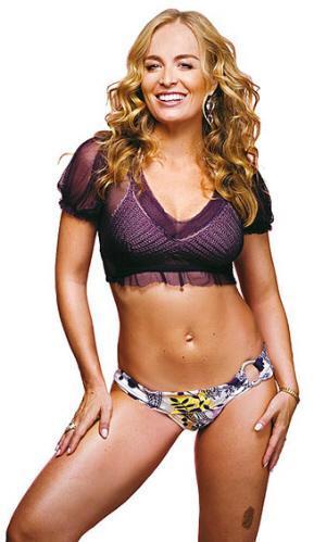 Angélica iniciou a carreira substituindo Xuxa, na extinta TV Manchete