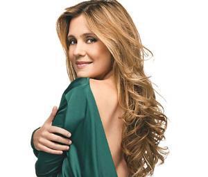 Atriz Adriana Esteves é uma premiada estrela brasileira