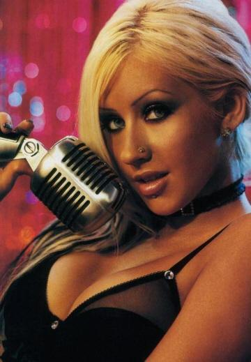 Americana Christina Aguilera passou pelo Brasil em 2000