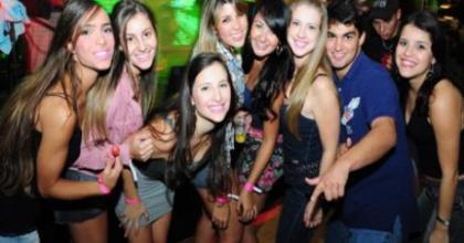 Melhor do Mundo esteve na balada com muita gente bonita, em São José dos Campos