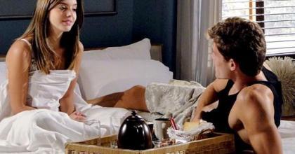 Galã de Insensato Coração também comenta as cenas de amor com a atriz Giovanna Lancellotti; veja fotos