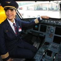Cantora baiana é a garota-propaganda da Companhia Aérea TAM, que comemora 35 anos nesta terça-feira