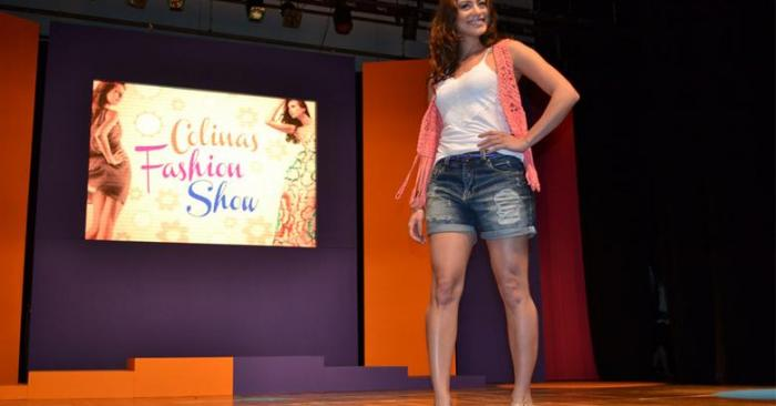 carol castro Shopping Colinas Fashion Show 2011