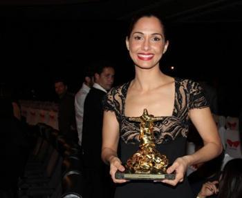 camila pitanga melhor atriz festival do rio 2011