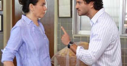 Português não quer saber de amizade com Griselda em Fina Estampa; ou é noiva e parte para casamento, ou nada feito...