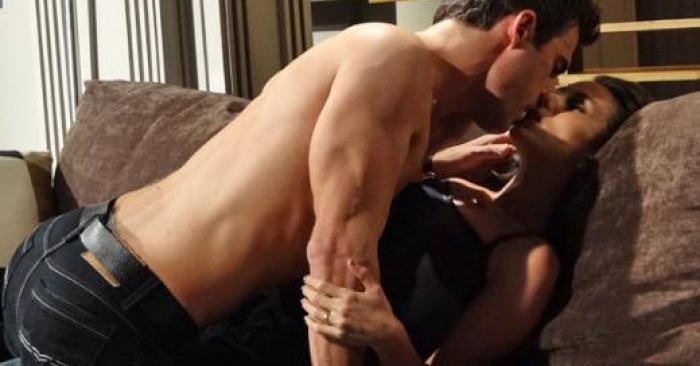 Letícia e Juan Guilherme namorando beijando beijos Fina Estampa Tania Khallil e Carlos Casagrande