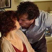 Guaracy (Paulo Rocha) e Esther (Julia Lemmertz) começam a viver romance no capítulo deste sábado em Fina Estampa