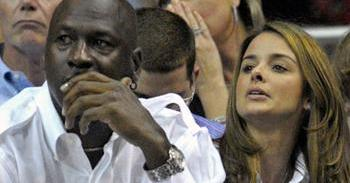 Estrela do basquete dos Estados Unidos, Michael Jordan está namorando a cubana Yvette Prieto há três anos