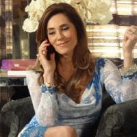 Vilã Tereza Cristina (Christiane Torloni) vai telefonar para o ex-marido e contar que a Pereirão está namorando o Português