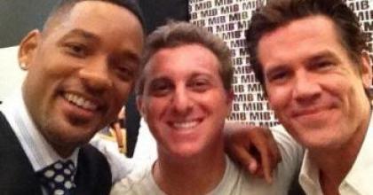 Em tom de mistério, Luciano Huck falou via Twitter sobre o encontro que teve com os astros Will Smith e Josh Brolin