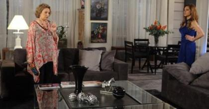 Tia Íris (Eva Wilma) vai contar que Tereza Cristina (Christiane Torloni) não é filha de quem pensa ser em Fina Estampa