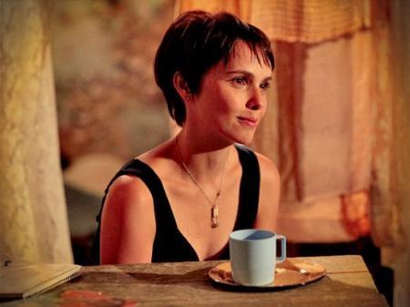 Débora Falabella acompanhe a trajetória da atriz da Rede Globo