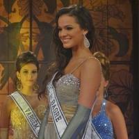 Belezinha (Bruna Marquezine) voltou aos concursos de beleza em grande estilo; a Miss agora é a Senhorita do Rio