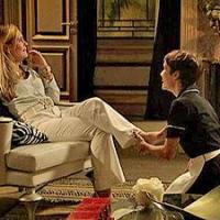 Nina (Débora Falabella) está ganhando a confiança de Carminha (Adriana Esteves) em Avenida Brasil; e a vingança?