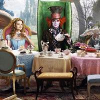A Disney prepara contibuação para o filme Alice no País das Maravilhas