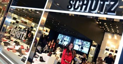 A Loja Schutz do Center Vale Shopping recebe coquetel da Lorana Salgados em São José dos Campos - SP