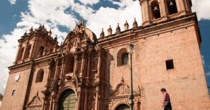 O ponto turístico mais famoso de Cusco é a Plaza de Armas; Saiba o que fazer em Cusco