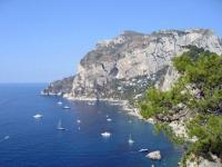 Ilha de Capri na Itália é um dos destinos mais procurados pelos turístas