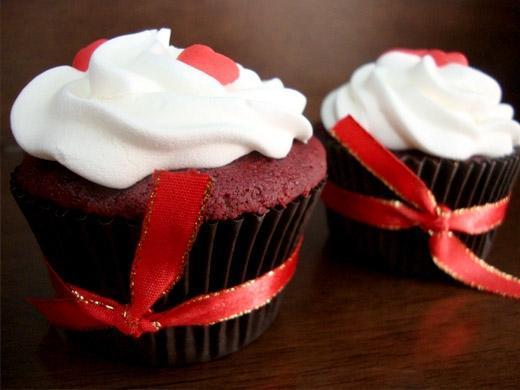 Festa de aniversário com cup cake colorido