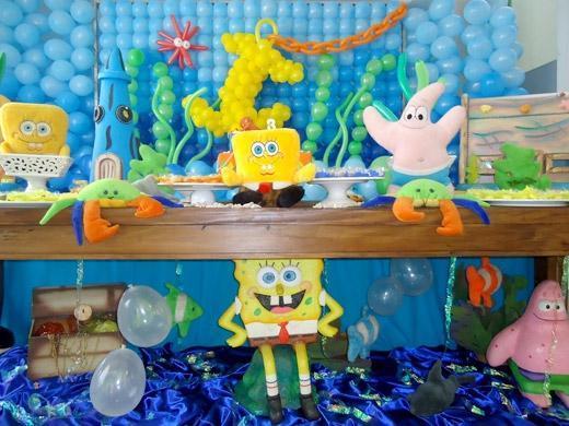 Festa de aniversário tema fundo do mar com Bob Esponja