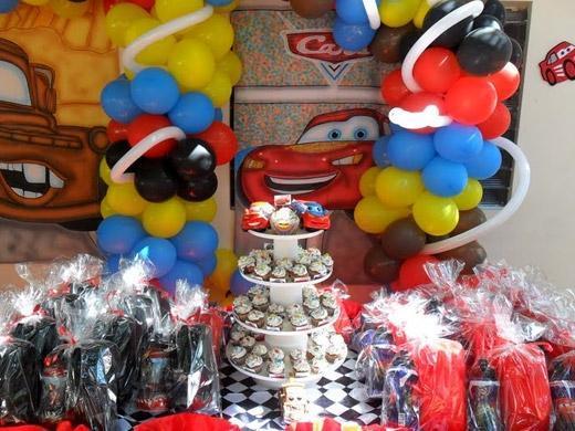 Festa de aniversário tema Carros