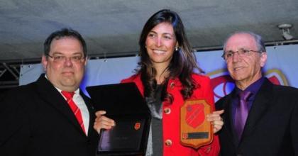 Foram homenageadas 23 pessoas que contribuíram para a evolução e engrandecimento da Vermelhinha