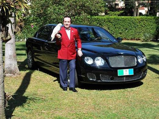 Chiquinho Scarpa carro Bentley Continental Flying Spur