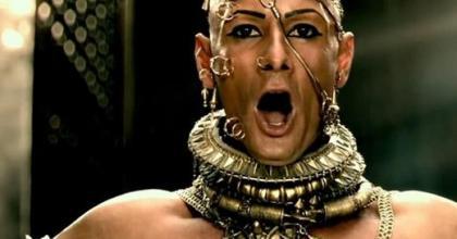 Rodrigo Santoro no filme 300: A Ascensão do Império