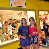 As sócias Michelle Rodrigues e Lidiane Vergilio receberam convidados para brindarem a chegada da marca
