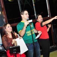 Ao som de Back to Back, os casais apaixonados lotam o restaurante e chopperia Guten Bier em São José