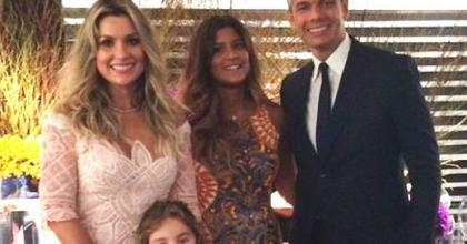 Filha de Flávia Alessandra cresceu! Giulia Costa tem 15 anos de idade e está um mulherão