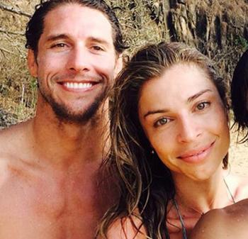 Flávio Canto e Grazi Massafera namorando na praia