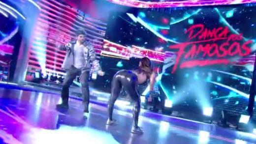 Viviane Araújo Dança dos Famosos 2015 dançando funk calça colada