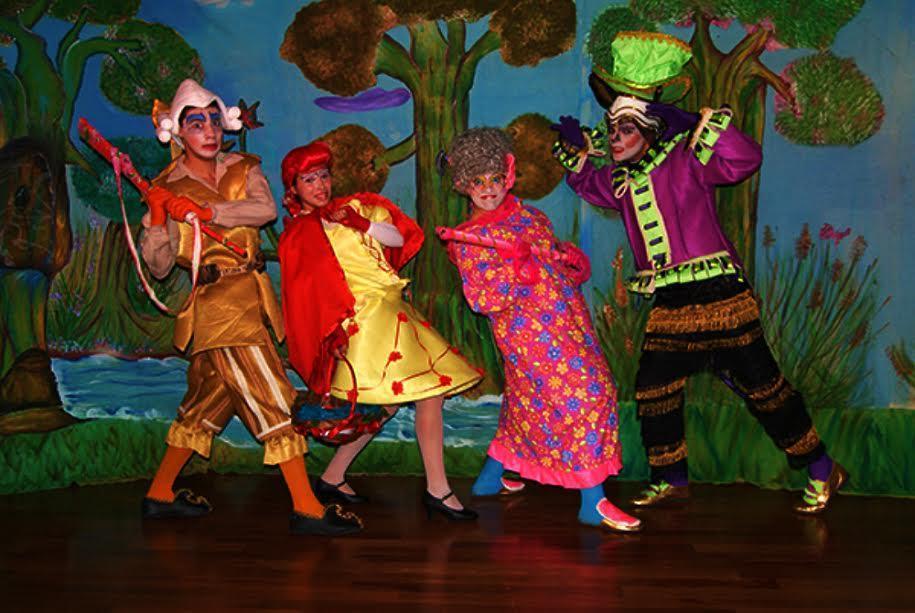 Chapeuzinho Vermelho Pela Estrada Afora teatro infantil teatro colinas