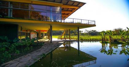 Nova série brasileira foi gravada com paisagem de São José dos Campos, no Vale do Paraíba; fotos