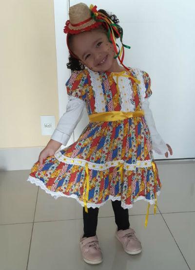 Vestido de festa junina de luxo colorido