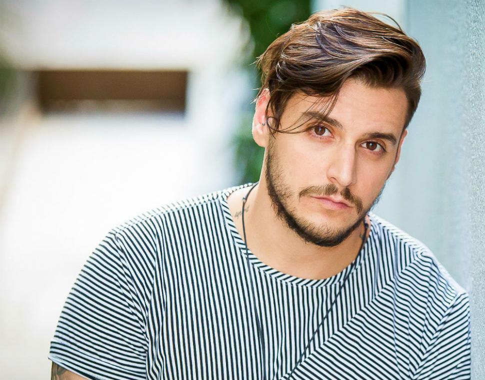 Fernando Aciely cantor pop