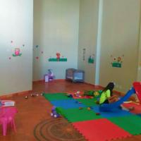 Berçário para deixar os filhos pequenos é um atrativo e tanto em hotéis para crianças