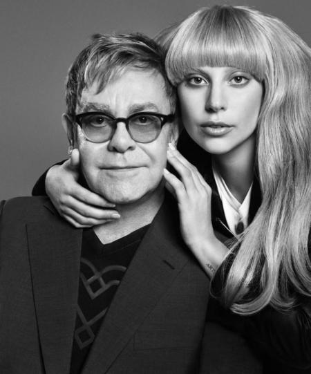 Lady Gaga e Elton John cantando juntos
