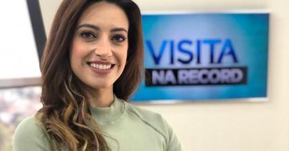 OsPaparazzi entrevistou jornalista e cantora Ana Torquetti, que estava na Record, em São José dos Campos
